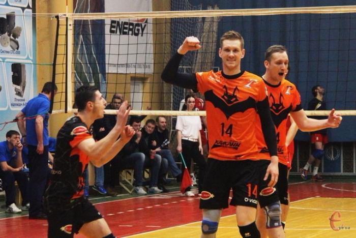 Бердянец Александр Гладенко - серебряный призер чемпионата Украины по волейболу