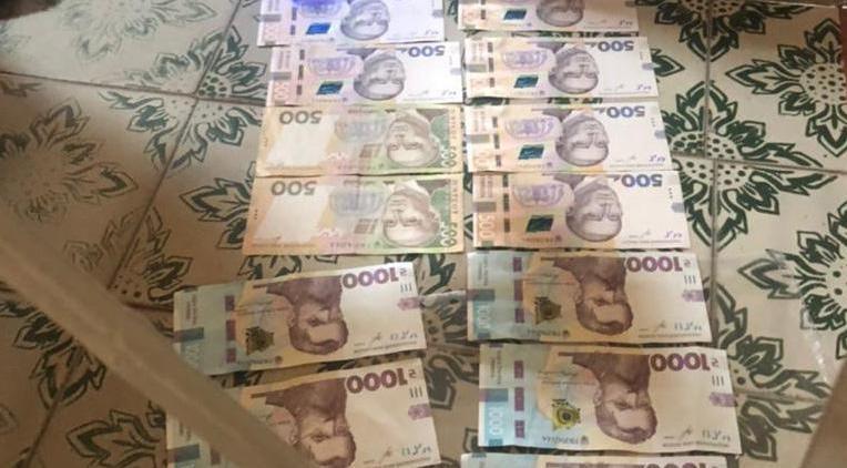 В Бердянську поліцейські викрили одного з посадовців під час одержання хабара