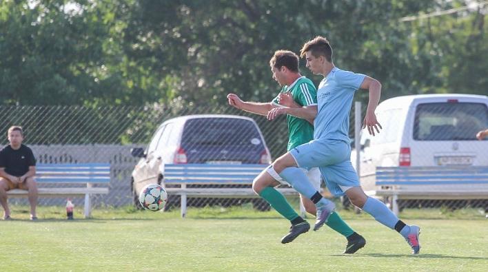 Чемпионат области по футболу: «Бердянск» получает шесть мячей от «Портовика»