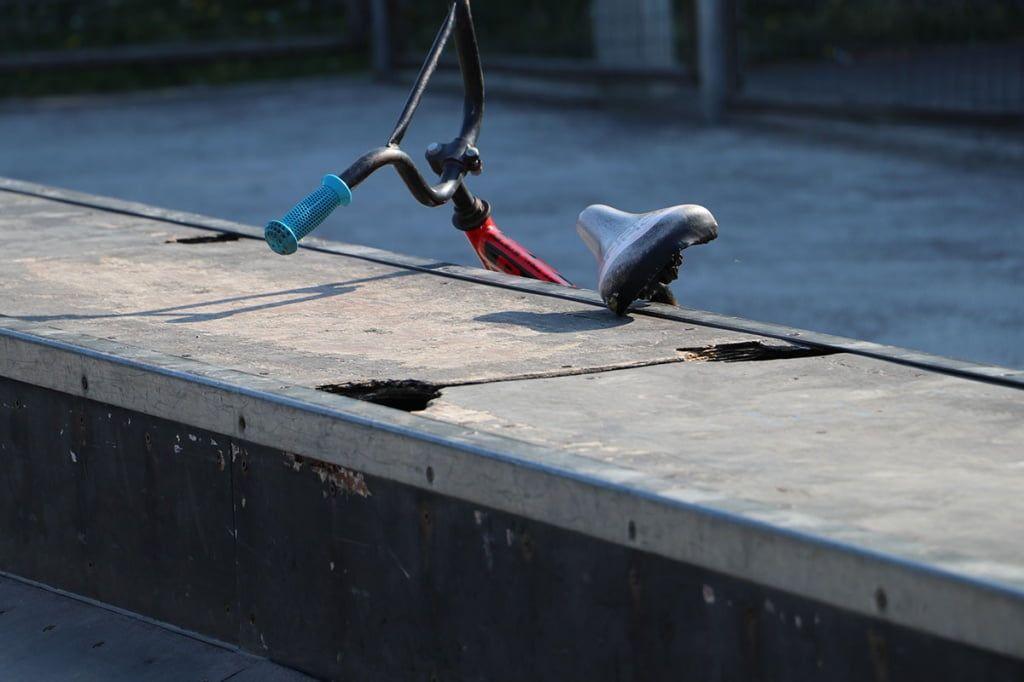 Бердянские депутаты троллят Боговина по «Торпедо», а сами не могут отремонтировать две скейт-площадки
