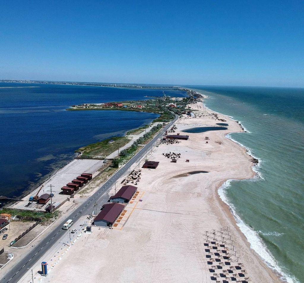 Більшість пляжів міста передано в оренду або укладено договори про спільну діяльність