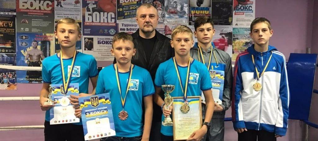 Бердянцы завоевали шесть медалей на домашнем чемпионате Украины по боксу среди юниоров