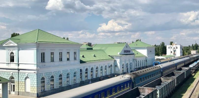 За лето в Бердянск по железной дороге прибыло 166094 человека. Это чуть меньше, чем год назад