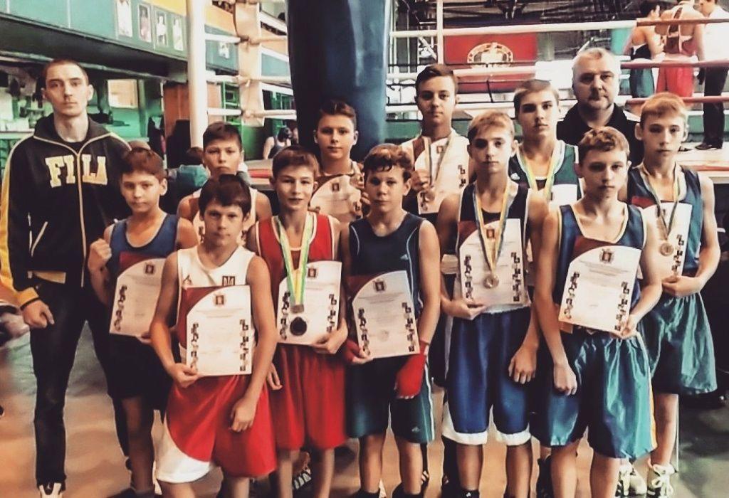 Бердянские боксеры успешно выступили на чемпионате области