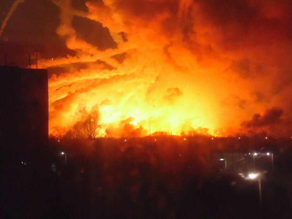 В Харьковской области взрываются склады боеприпасов