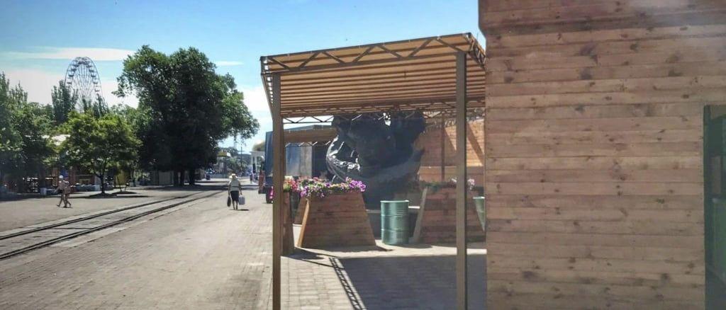 Суровый бердянский бизнес. Памятник рыбакам теперь доступен для обозрения только в формате 2D