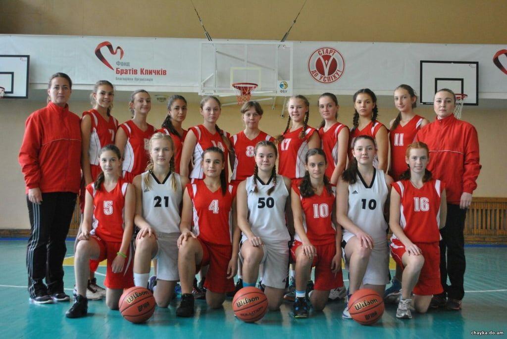 Две команды ДЮСШ стартовали во Всеукраинской баскетбольной лиге среди девочек