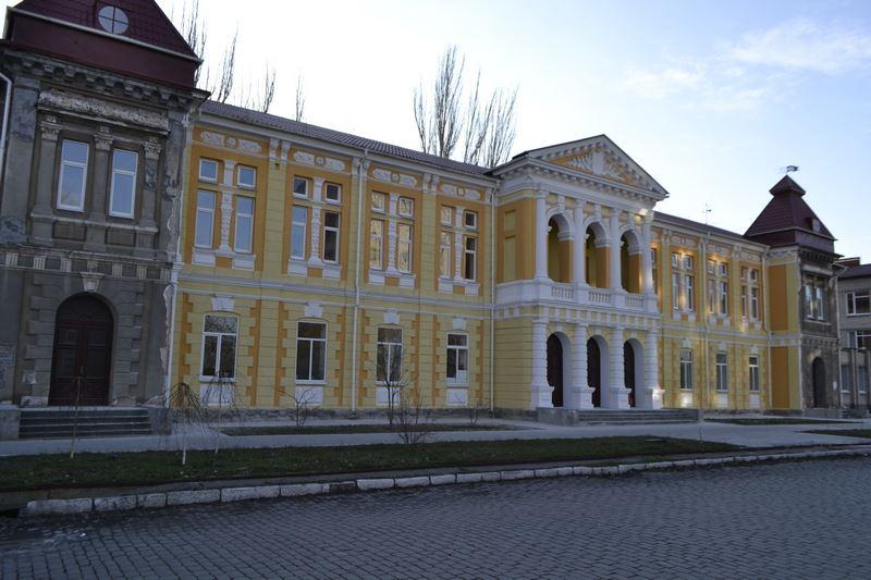 Ремонт фасаду 5-го корпусу БДПУ завершать в цьому році