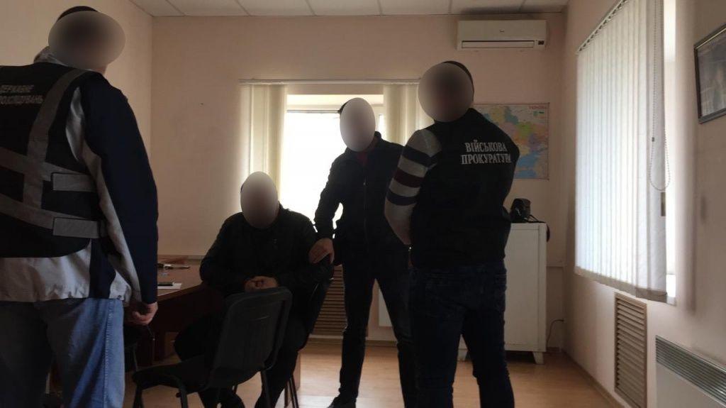 У Запорізькій області ДБР затримало співробітників поліції на вимаганні коштів у підприємців