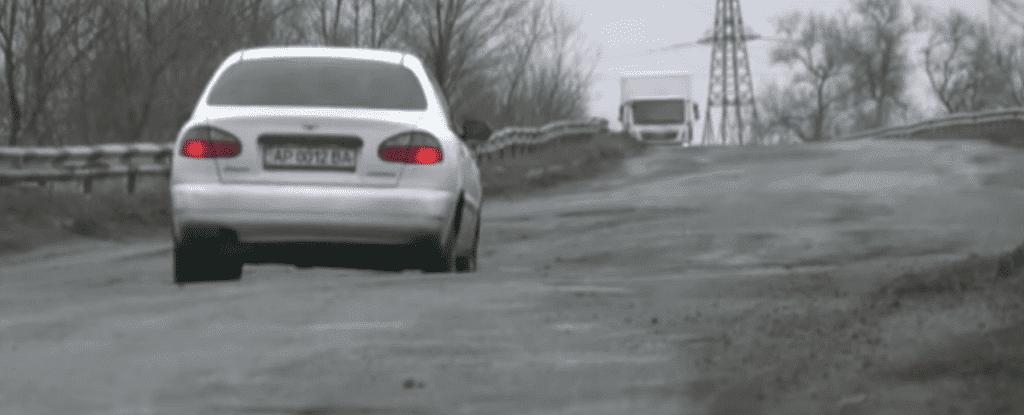 Журналисты ТРК «Украина» попытались проехать по трассе Токмак-Бердянск