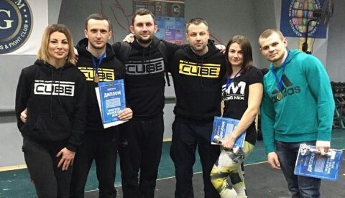 Сергей Калина и Ксения Маслинкова победили в «IRON GYM WINTER CUP 2018»
