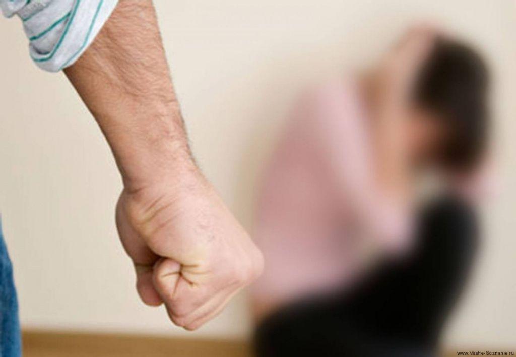 Мешканка села Дмитрівка два роки терпіла знущання чоловіка