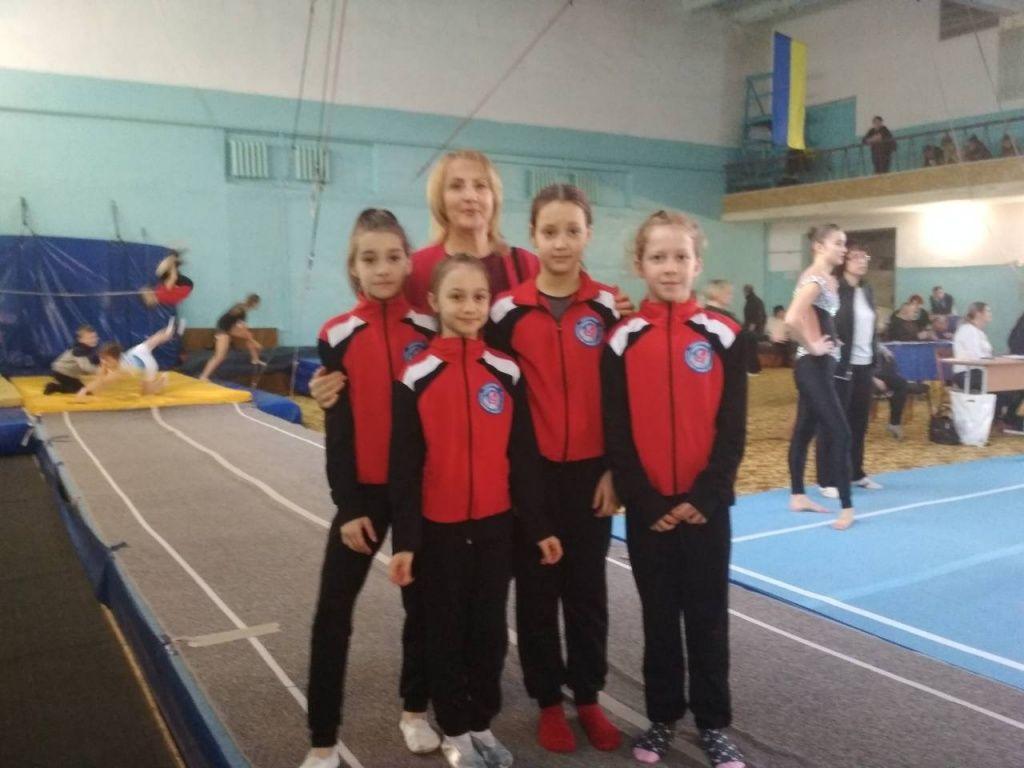 Бердянские акробаты получили разряд кандидатов в мастера спорта на соревнованиях в Николаеве