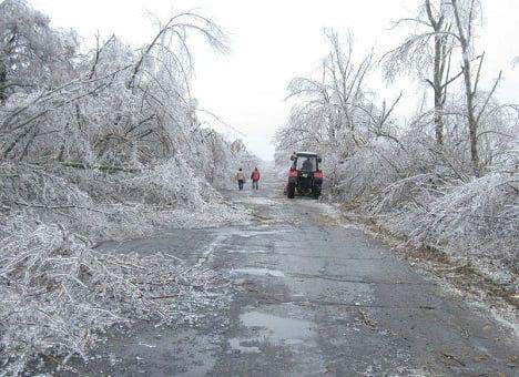 На автодорогах Запорожской области ограничений движения из-за непогоды нет