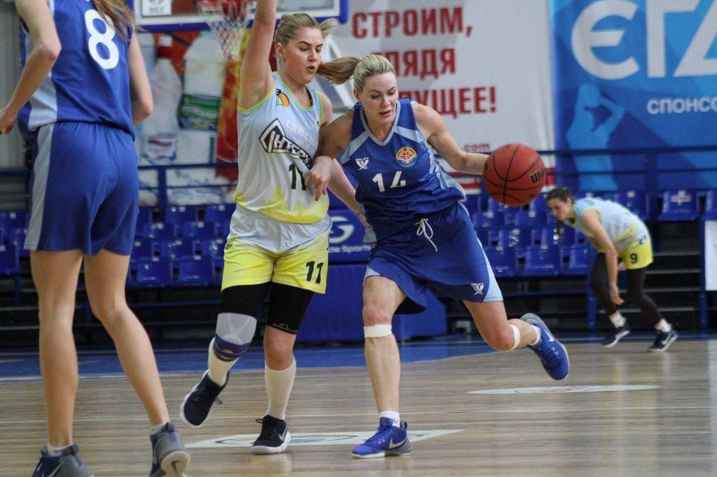 «Чайка-ДЮСШ» проигрывает в Одессе, но побеждает в Херсоне