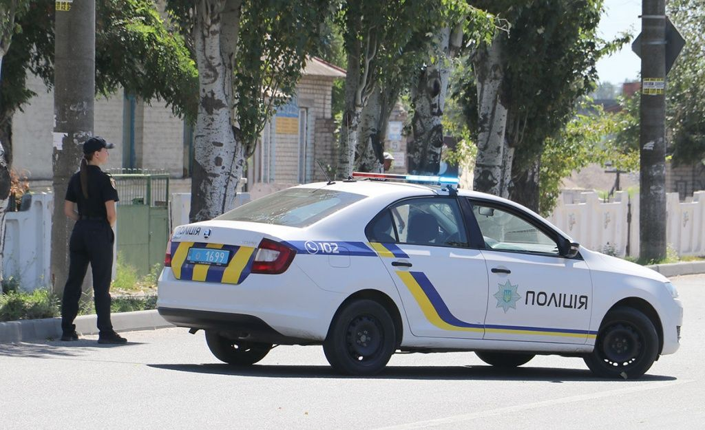 Мешканець Бердянська, якого зупинили за порушення ПДР, пропонував поліцейським 4000 грн. хабаря