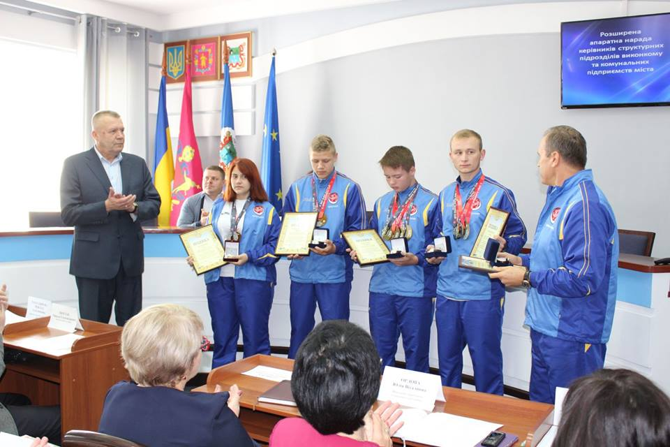 Міський голова вручив подяки та подарунки спортсменам Бердянського міського спортивного товариства «Спартак»