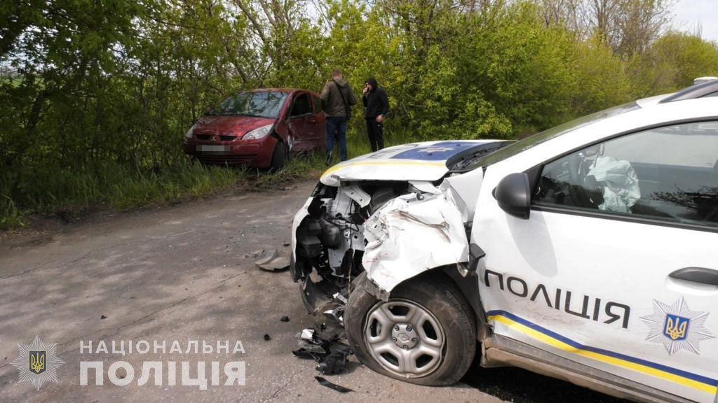 """ДТП з поліцейським автомобілем """"Renault Duster"""""""