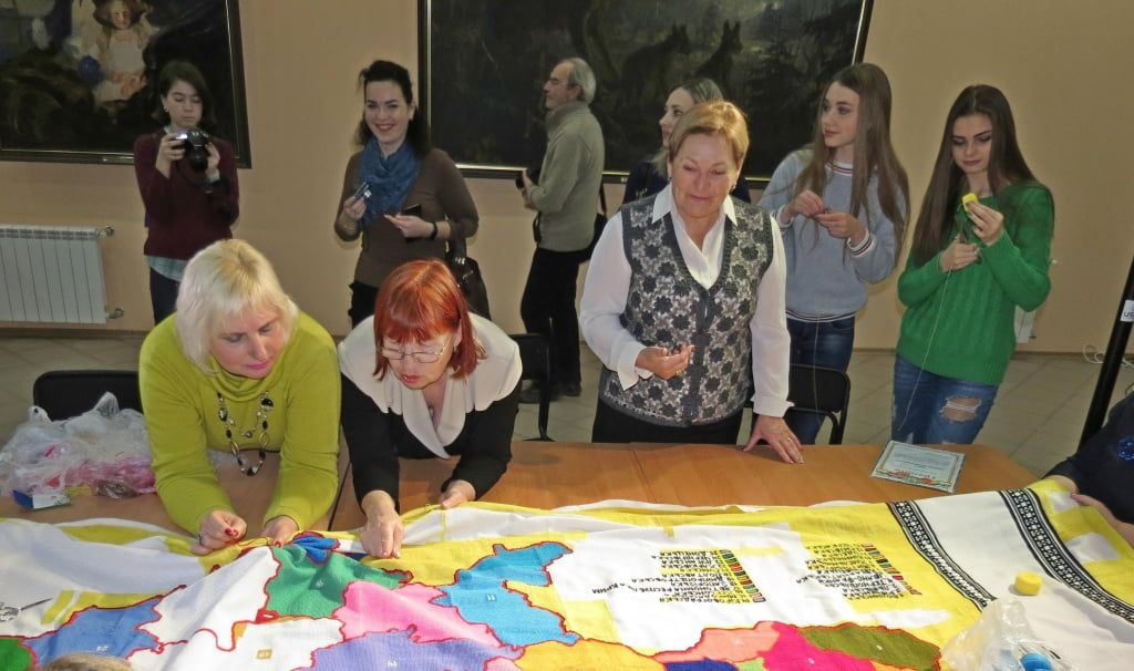 Бердянці долучилися до Всеукраїнської акції «Україна моя вишивана»