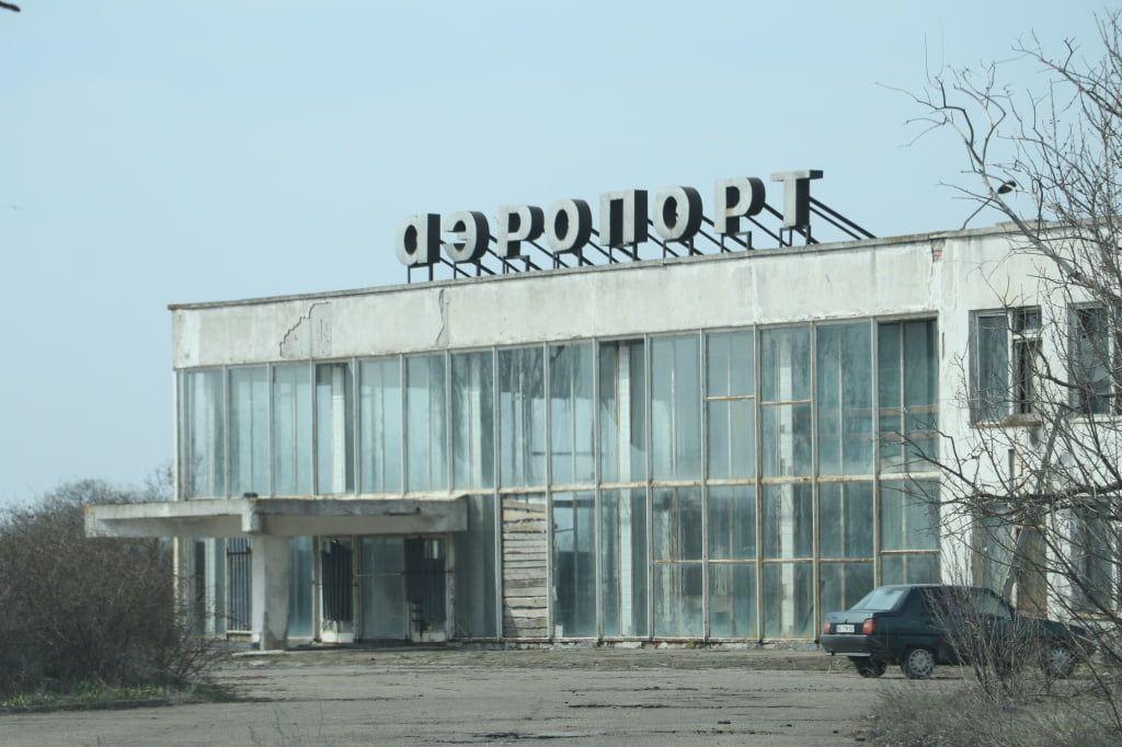 Снова аэропорт? Баранов говорит, что созванивался с нардепом Тарутой. Возобновление полетов реально