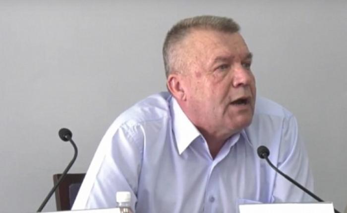 Владимир Чепурной: «Я бы набил морду тому, кто ломает детские и спортивные площадки»