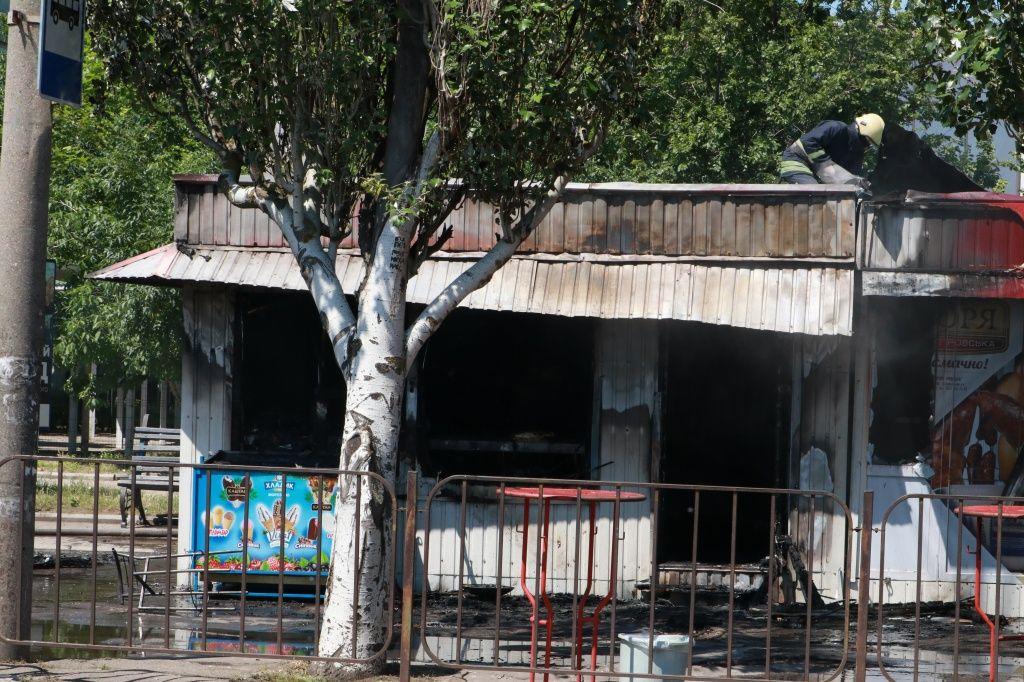 В районе рынка сгорел ларек с шаурмой
