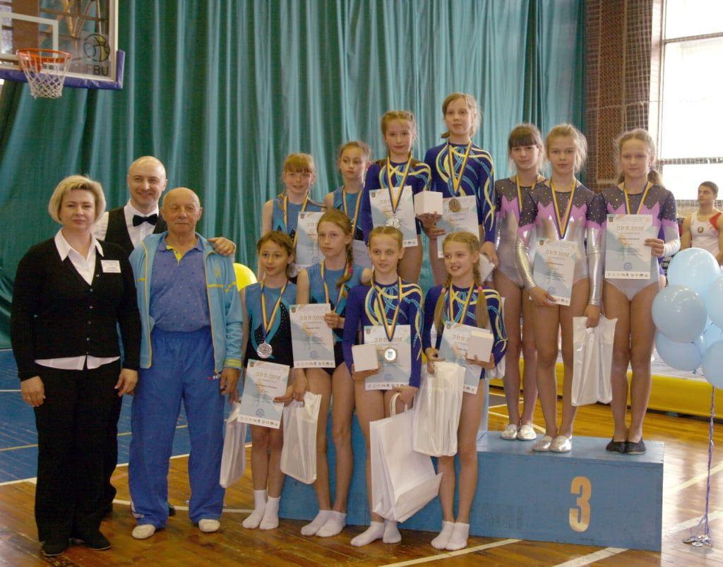 Бердянские акробаты успешно выступили на Чемпионате Украины