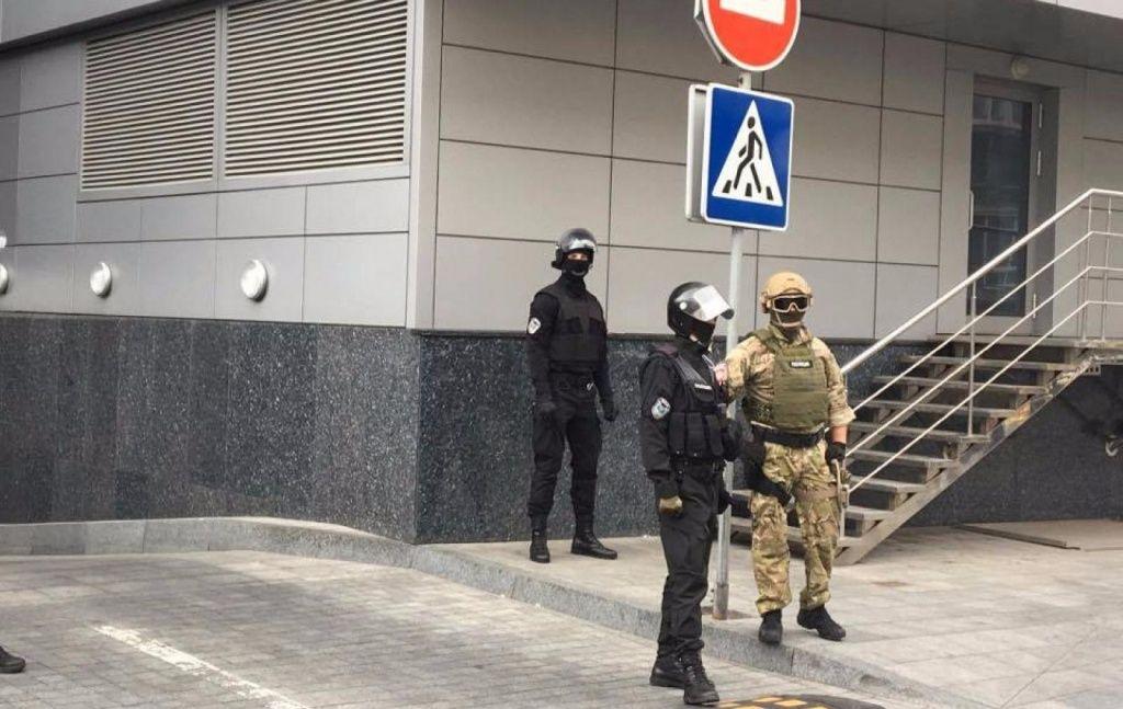 Правоохранители проводят обыски в редакции медиа-холдинга «Вести»