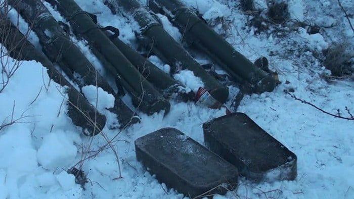 У Запорізькій області біля траси співробітники СБУ виявили арсенал