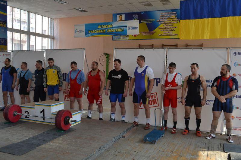 Роман Котляр и Сергей Дранос стали чемпионами Украины по тяжелой атлетике среди ветеранов