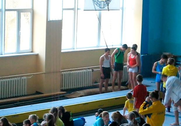 Бердянские спортивные акробаты выступили на соревнованиях в Виннице и Житомире