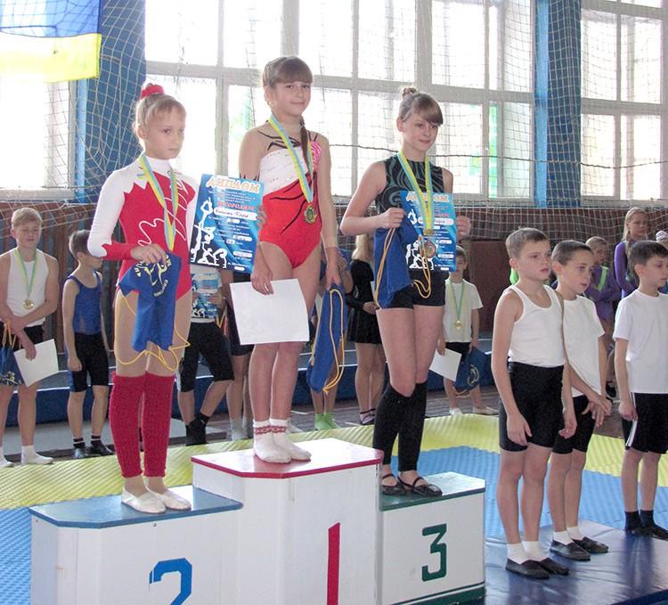 Бердянские спортивные акробаты удачно выступили на соревнованиях в Мелитополе