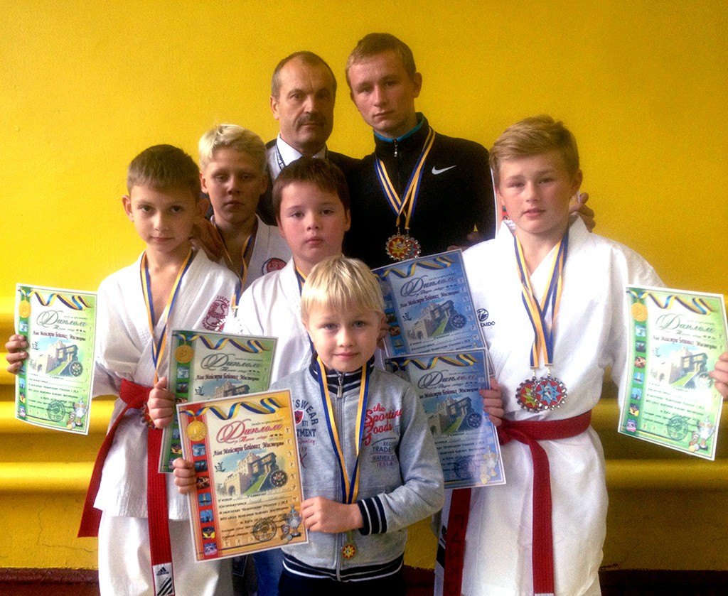 Бердянские каратисты успешно выступили на чемпионате Украины по каратэ
