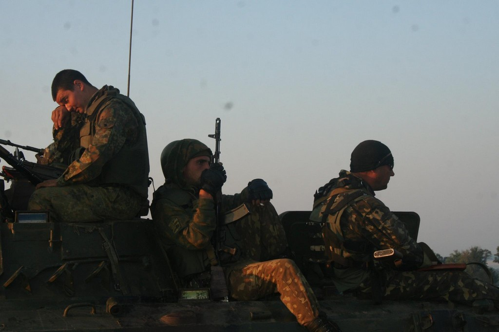 Батальон Азов уничтожил под Мариуполем технику боевиков