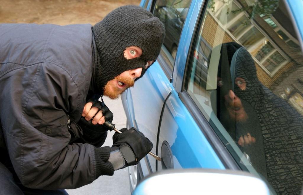 В Бердянске за ночь угнали 2 автомобиля
