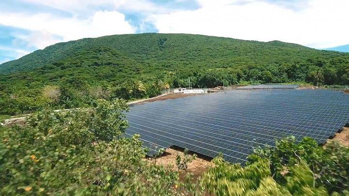 Tesla с помощью солнечных батарей избавила от дизельных генераторов целый остров. Фото и видео